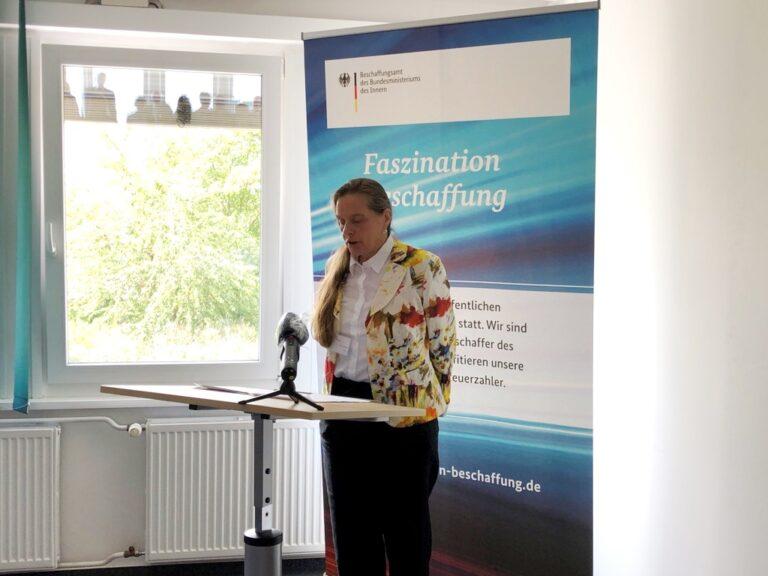 Die Direktorin des BeschA, Dr. Ruth Brand, bei der Begrüßungsrede