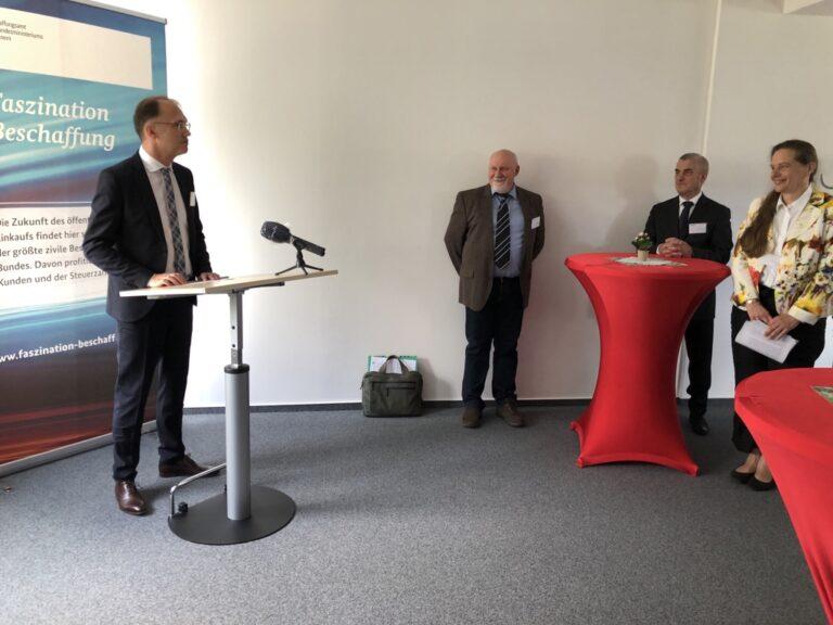 Dr. Tobias Knoblich, Beigeordnete für Kultur und Stadtentwicklung Erfurt, hält eine Rede