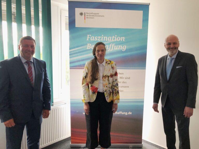 Die Direkrotin des BeschA, Dr. Ruth Brand, der Parlamentarischer Staatssekretär, Volkmar Vogel und der Ministerialdirektor, Leitung der Abteilung DG, Peter Batt.