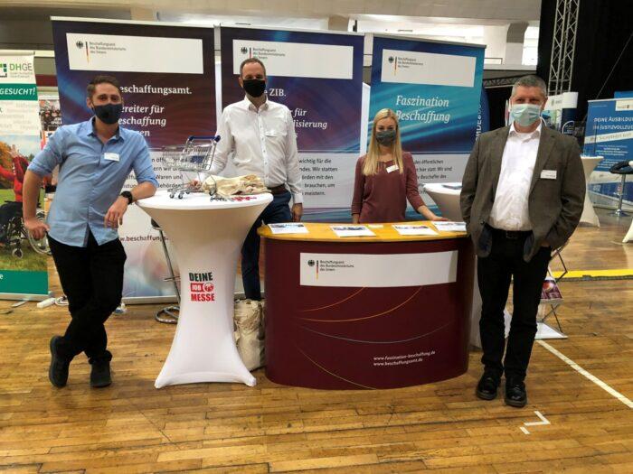 Mitarbeiter des BeschA an unserem Messestand auf der 6. Jobmesse Erfurt