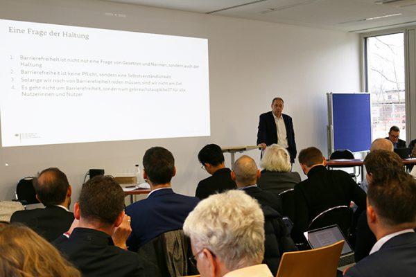 Klaus Werth spricht über barrierefreie IT in der Bundesverwaltung